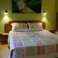 Hotel Pictures: Magnolia House, Camberwarra