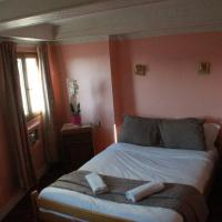 Budget Double Room with Shared Bathroom and Toilets