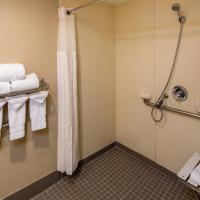 King Room with Roll In Shower-Disabilty Access