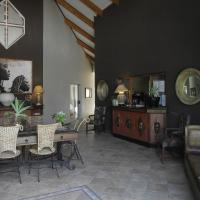 Hotellikuvia: Out of Africa Town Lodge, Otjiwarongo
