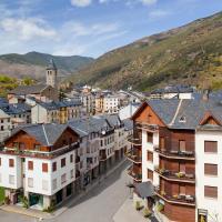 Hotel Pictures: Apartamentos Pessets Adelaida, Sort