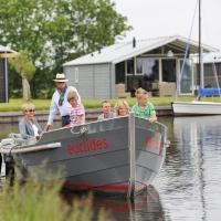 Hotel Pictures: Vrijrijck Vakantieparken - Waterpark Terkaple, Terkaple