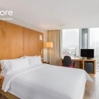 Deluxe Queen Room with City View - Non-Smoking