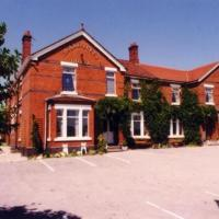 Hotel Pictures: Holly Trees Hotel, Alsager