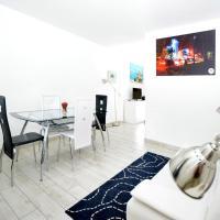 Deluxe Queen Studio with Kitchen