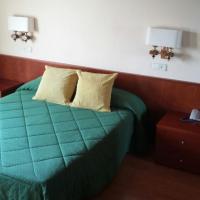 Фотографии отеля: Hotel Bon Repos, Бельвер-де-Серданья