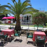 Hotel Pictures: Hotel Majaravique Sevilla, La Rinconada