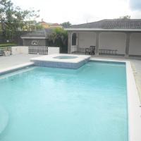 Zdjęcia hotelu: Whispers - Vacation Home, Montego Bay