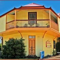 Hotel Pictures: Two Story Bed and Breakfast, Central Tilba