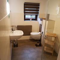 Hotel Pictures: Ferienwohnung - Chayenne Apartment mit 2 Schlafzimmern, Klinga