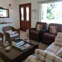 Hotel Pictures: Linda Casa em condomínio, Canela