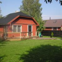 Hotel Pictures: Teeny and Loora, Pärnu