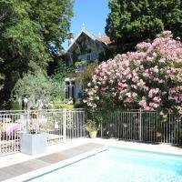 Hotel Pictures: Hôtel le Chalet Fleuri, Saint-Rémy-de-Provence
