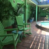 Hotellikuvia: Upper Deck Hotel and Bar - Adults Only, South Padre Island