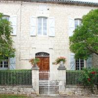 Hotel Pictures: Maison d'Hôtes Le Logis de Reyjade, Montdoumerc