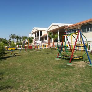 Hotel Pictures: Garden view Apartment, Qaryat Shākūsh