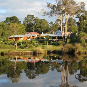 Hotel Pictures: Nornalup Riverside Chalet, Nornalup