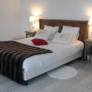 Hotel Pictures: Les chambres de la Nouvelle Aliénor, Berbiguières