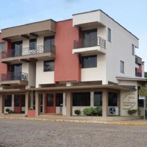 Hotel Pictures: Hotel e Restaurante Perinotto, Ibiraiaras