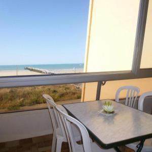 Hotel Pictures: Apartment Marina 2 1, Saint-Jean-de-Monts