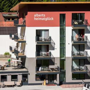 Hotel Pictures: Alberts Heimatglück, Nauders