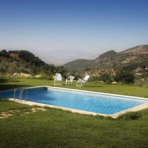 Hotel Pictures: Holiday home Camino del Rosal, Illora
