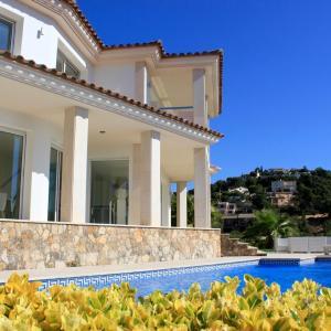 Hotel Pictures: Villa De Oro, Calonge