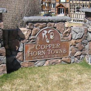 Hotel Pictures: Luxury Radium Condo - Copper Horn Towne, Radium Hot Springs