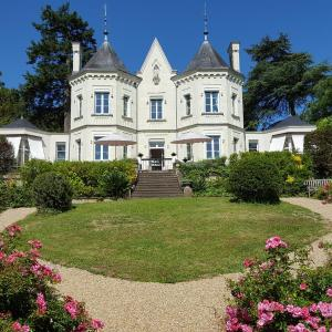 Hotel Pictures: Belle Couronne, Le Cellier