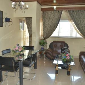 Hotel Pictures: Shatuma Guest House, Bamenda