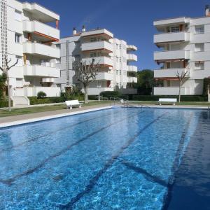 Hotel Pictures: Suitur Pescadors Apartment-Piscina y Jardin, Calafell