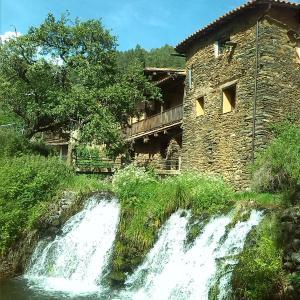 Hotel Pictures: Los Balcones del Río, Robledillo de Gata