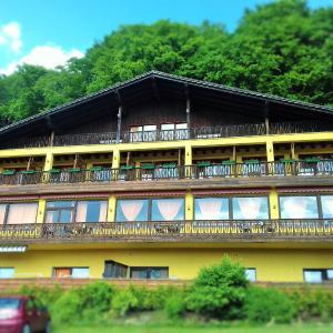 Hotelbilleder: Hotel Burgberg, Walkertshofen