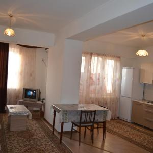 Zdjęcia hotelu: Apartments on Orozbekova 1, Bishkek