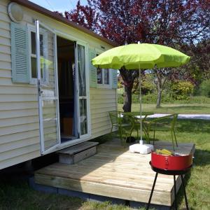 Hotel Pictures: Camping Couleurs Garonne, Montréjeau