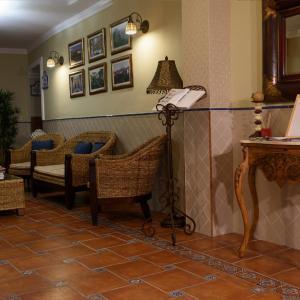 Hotel Pictures: Hostal Jayma, Salobreña