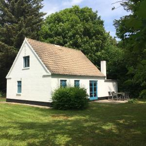 Hotel Pictures: Skovhuset, Uggerby