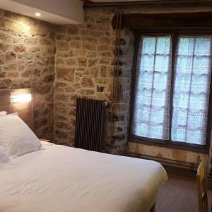 Hotel Pictures: Au Relais de Poste, Ally