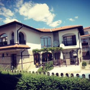 Hotelbilleder: Villa Azalea, Aheloy