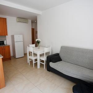 Hotel Pictures: Apartamentos Residencial Claudia, Reus