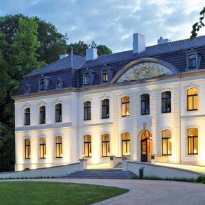 Hotel Pictures: Weissenhaus Grand Village, Weißenhaus