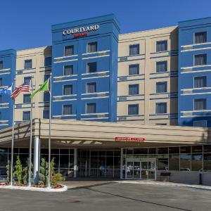 Hotel Pictures: Courtyard by Marriott Montreal West Island/Baie D'Urfe, Baie-d'Urfé