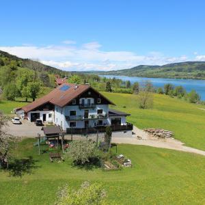 Hotel Pictures: Bauernhof Schink, Zell am Moos