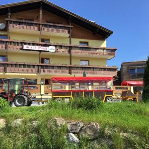 ホテル写真: Hotel Dunza, Bürserberg