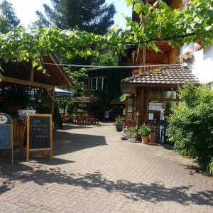 Hotel Pictures: Landgasthof Linkenmühle, Hornbach