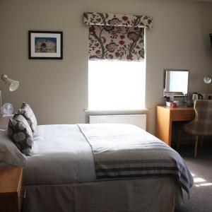 Hotel Pictures: The Mitre Inn, Knaresborough