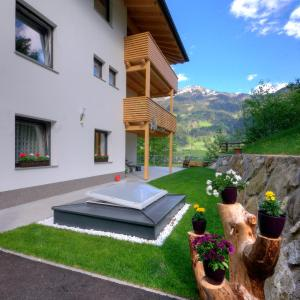 Hotel Pictures: Apartment Sonnbichl, Schwendau