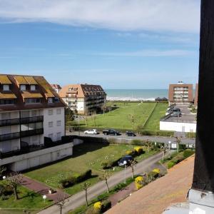 Hotel Pictures: DEAUVILLE 2000, Villers-sur-Mer