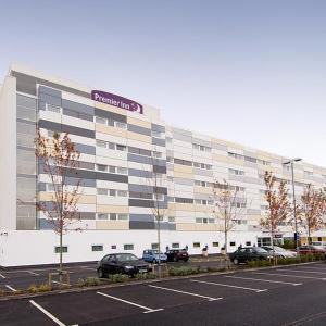 Hotel Pictures: Premier Inn Manchester Airport Runger Lane South, Hale