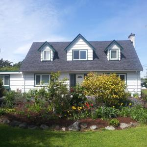 Hotel Pictures: Farm House B& B @ Snowdon House, North Saanich